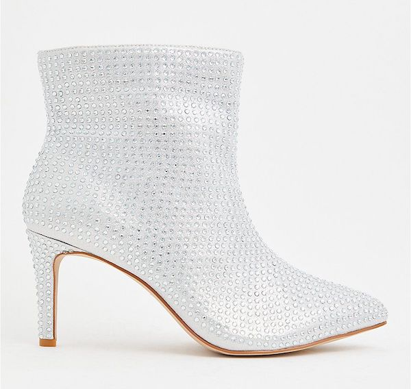 Wide-fit ankle boots in white sequin.