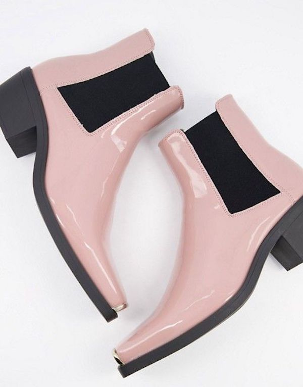 Wide-fit Chelsea boots in light pink.
