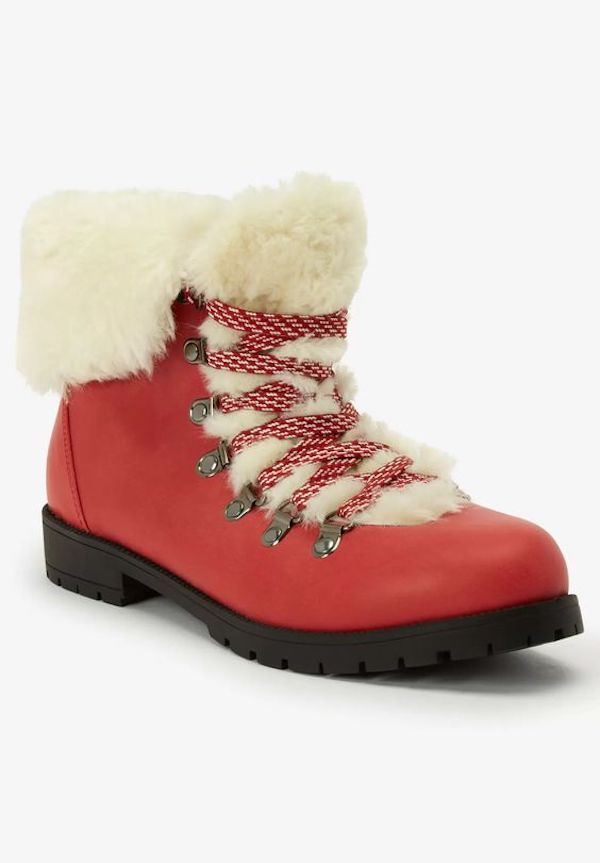 Wide-fit snow boots in red and cream fur.