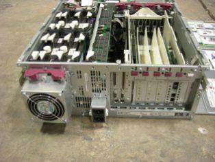 Compaq ProLiant 6400R - Back
