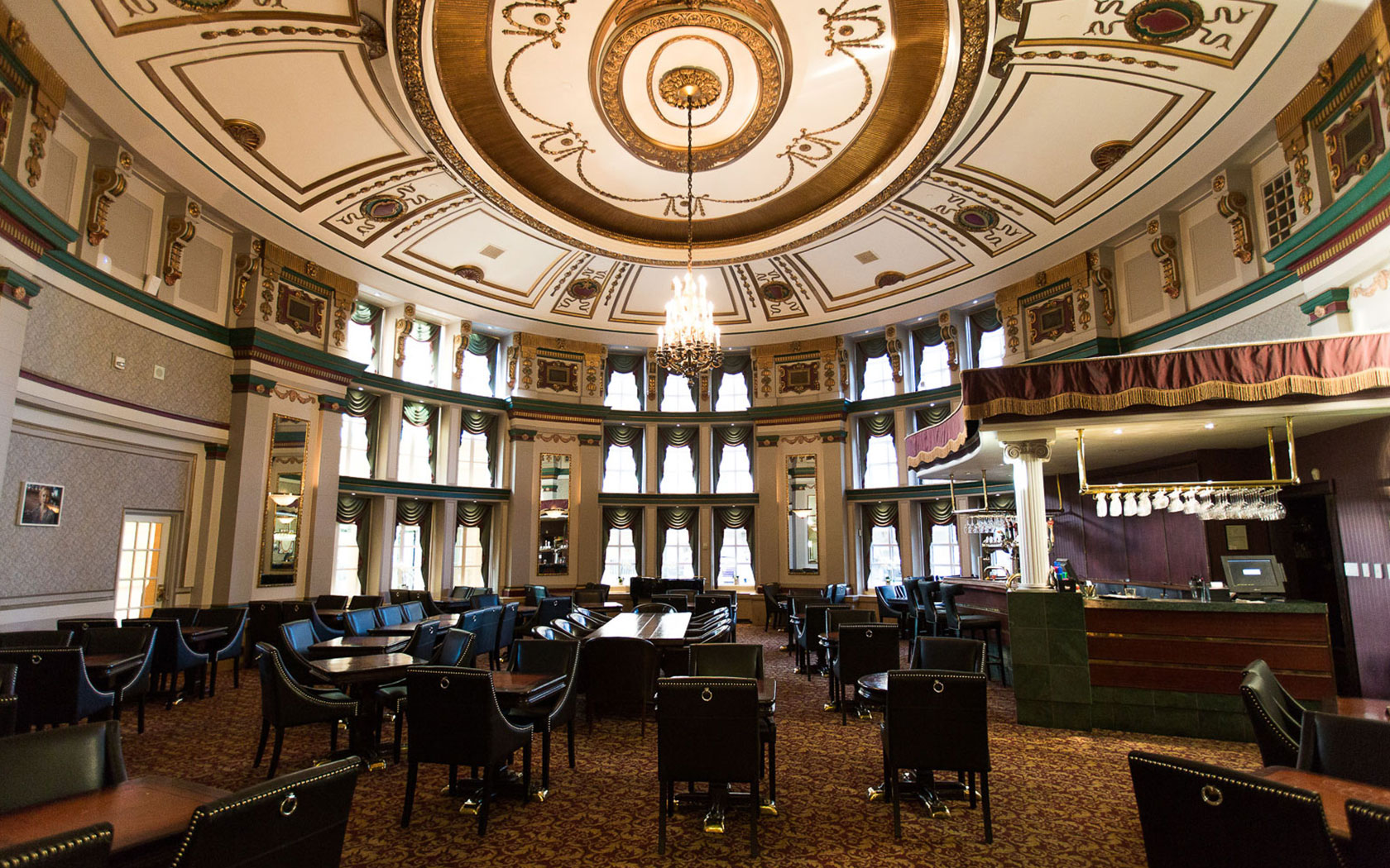Eat And Drink The Fort Garry Hotel Winnipeg