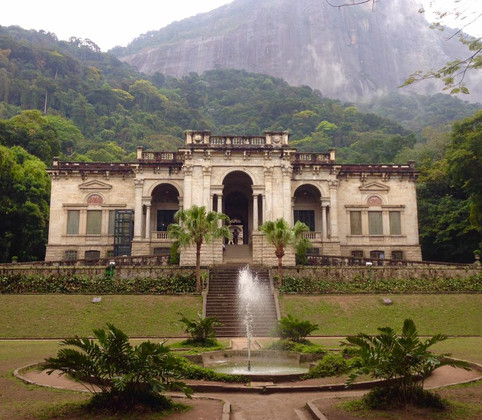 Photo of the impressive entrance to Parque Lage mansion with the fountain at the base of the stairs