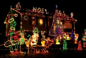 Decorating-Ideas-about-Christmas-24-LED-Rope-Light_attach_523