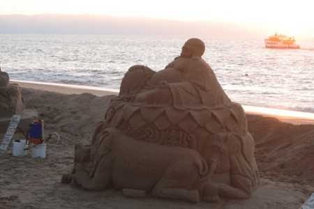 sand sculptures of peuro vallarta