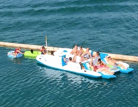 Giant Floating Island Raft 8-Person Capacity review