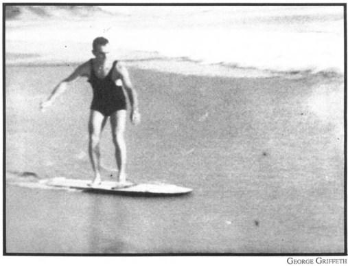 skimboarder-history-1929-laguna-beach-ca