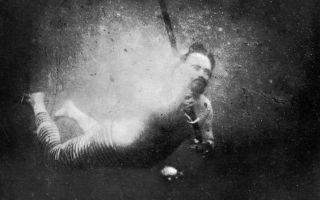 worlds first underwater photograph