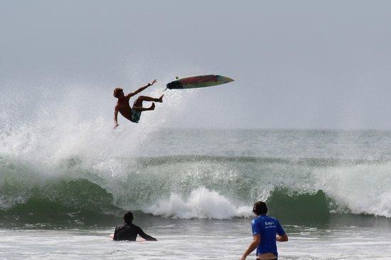 tamarindo-beach