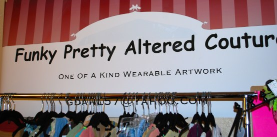 Funky Pretty offers frequent warehouse and boutique fair shopping opportunities. Owned by member Geri Dahl