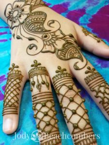 Gorgeous henna design in Orlando by professional henna artist