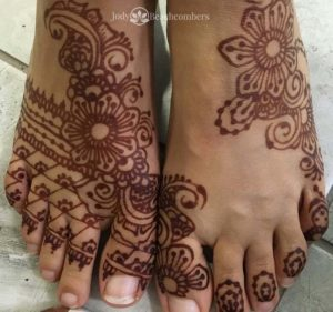 Dark Henna Stain on the feet, Orlando FL, good aftercare equals great henna color