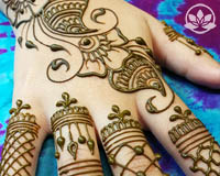 Learn how to henna online