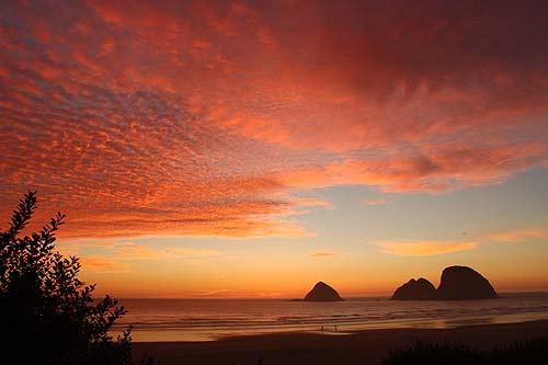 Photo: a vibrant spring sunset in Oceanside