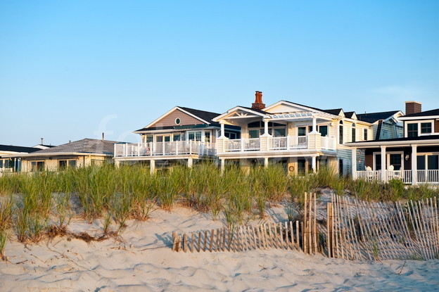 Awesome Am I Ready For A Rental Investment Beach House For Fun And Home Interior And Landscaping Mentranervesignezvosmurscom