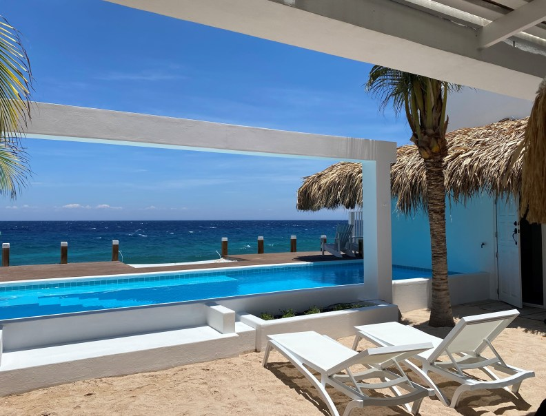 Private pool ocean Curacao Beach House Pietermaai