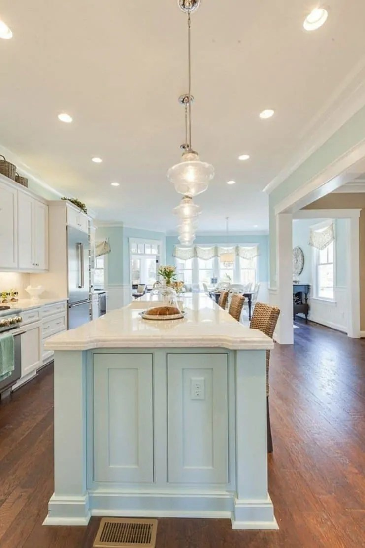 Picture of: Amazing Beach House Kitchens With Tons Of Coastal Decorating Ideas