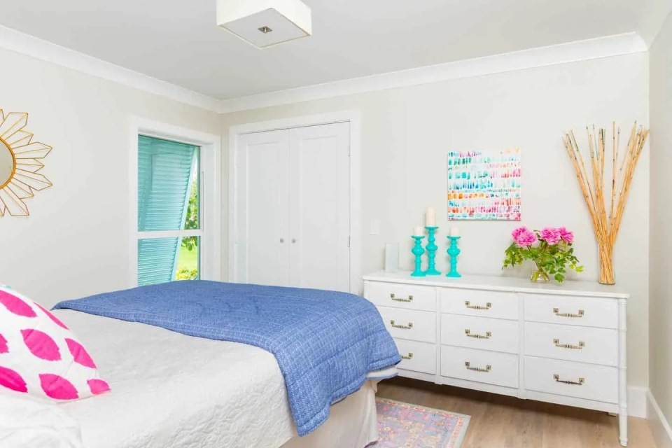 Modern Coastal Design Ideas - Beach House Guest Bedroom Pink and Green