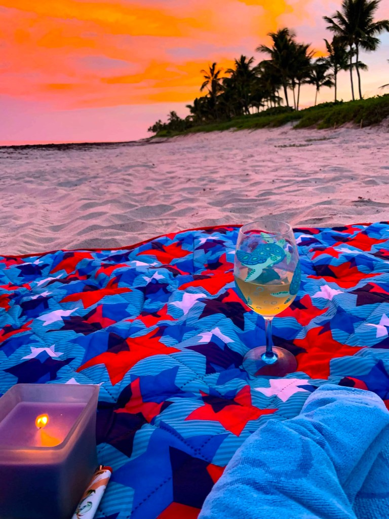 How To Plan A Beach Picnic - Sunset Beach Picnic Ideas - What to bring on your sunset beach picnic