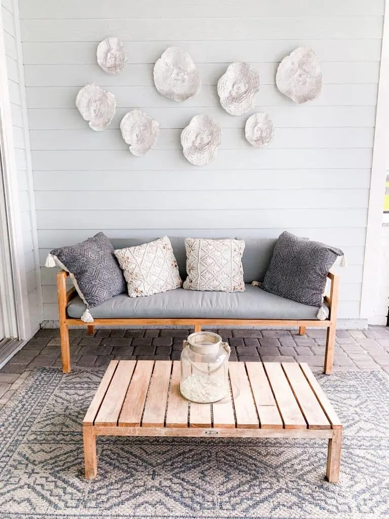 coastal outdoor living space ideas for