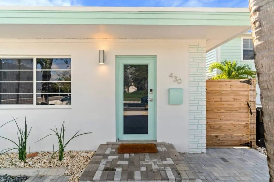 Orange Blossom Villa - Lake Worth Beach Airbnb Vacation Rental - Exterior