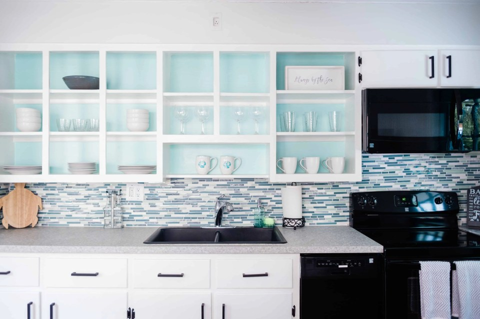 Beach House Kitchen Ideas - Beach Bungalow Kitchen Open Shelves