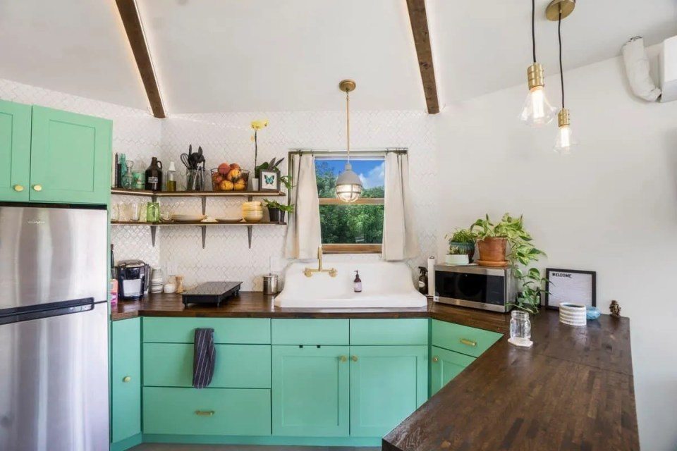 Green and Wood Kitchen -Tiny House on private island in Florida