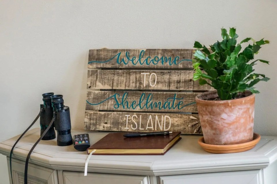 Shellmate Island Sign Tiny House on private island in Florida