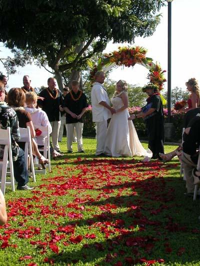 Aloha Beach Maui Wedding floral elegance diamond-resort-04