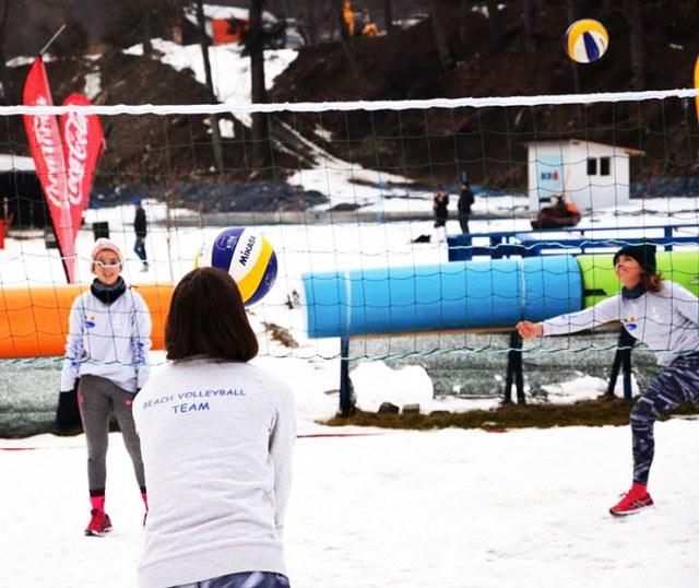 snow volleyball 15