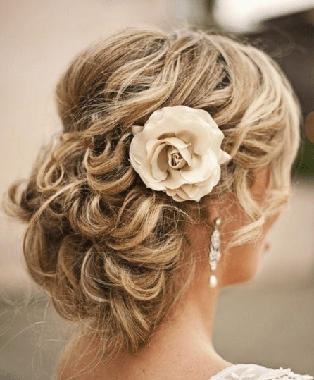 The 10 Best Beach Wedding Hairstyles – Beach Wedding Tips