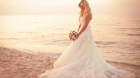 Beach Wedding Hair Tips  Beach Wedding Tips