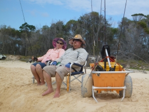 Take everything you need with you in the beach cart and fish in comfort