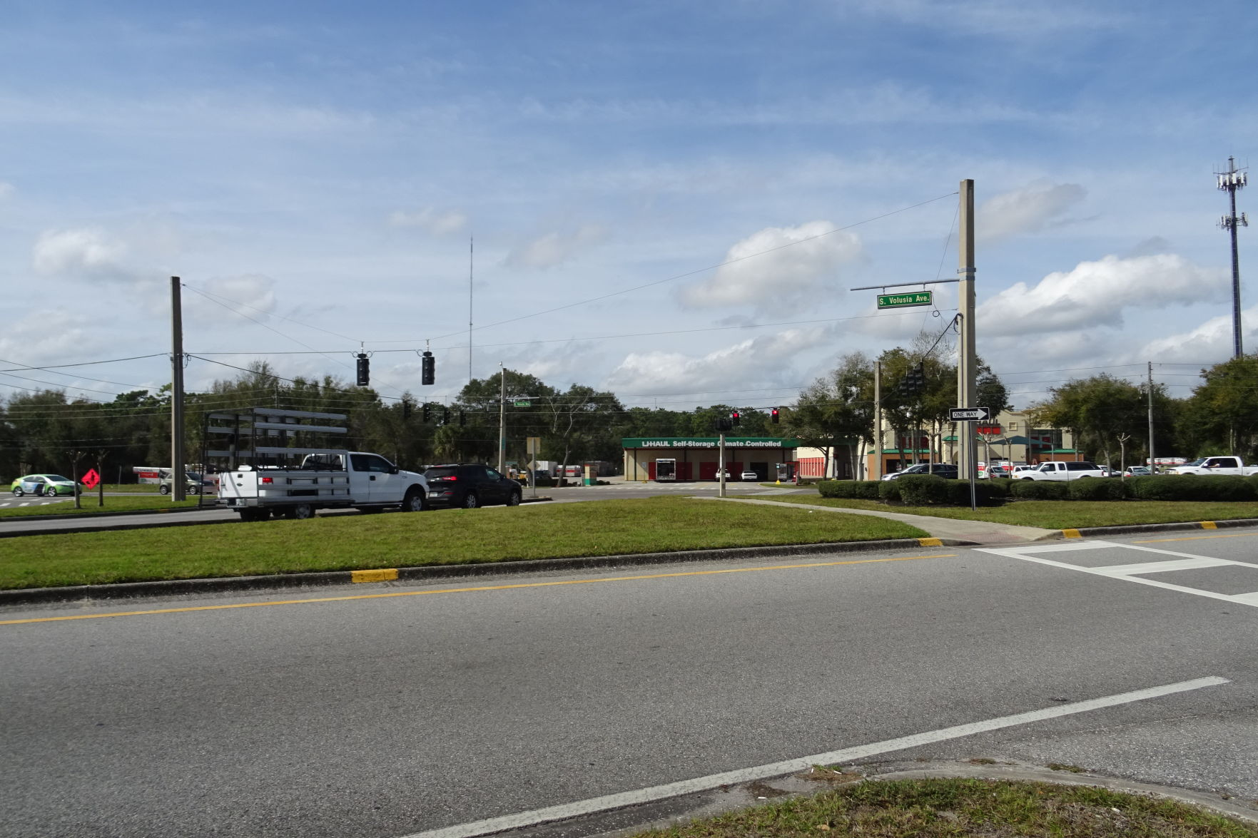 Busy Orange City intersection may become roundabout