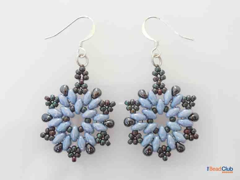 Free Beaded Christmas Earrings- Snowflake Earrings Pattern by The Bead Club Lounge