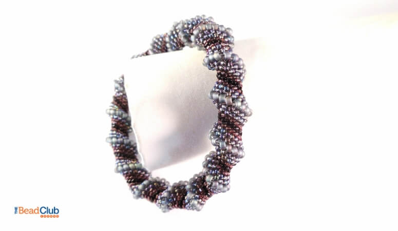 How To Finish Peyote Stitch Patterns Like A Pro