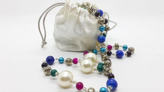 Drawstring pouches make great jewelry packaging.