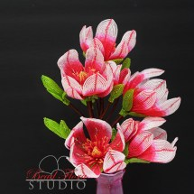 French beaded pink magnolia by Fen Li Bead Flora Studio