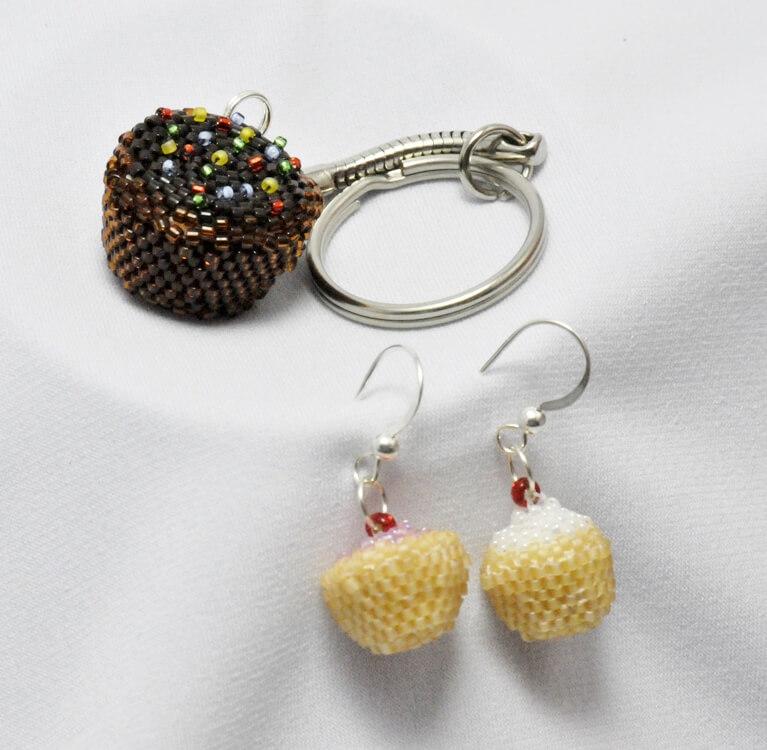 Iced bun earrings and key ring pattern, Katie Dean, Beadflowers