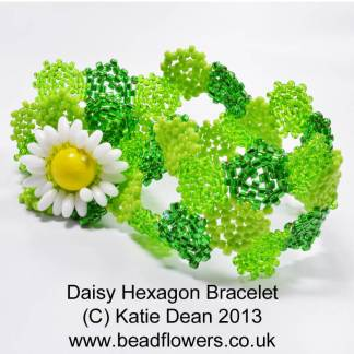 Daisy Hexagon Bracelet Pattern