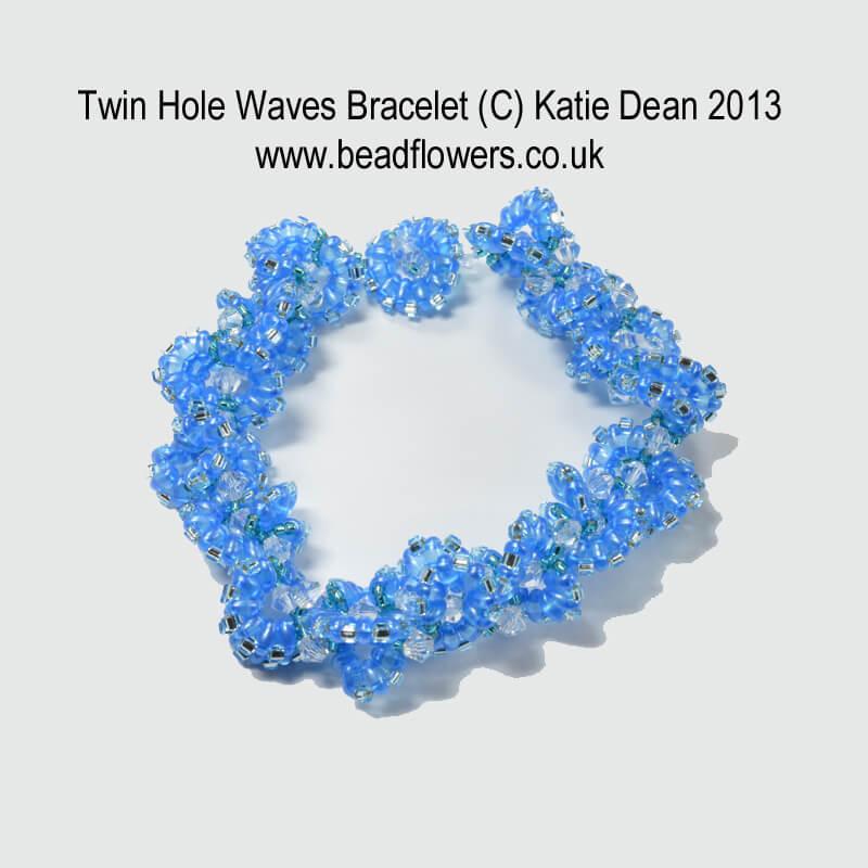 Twin Hole Beads: Wave Bracelet Pattern