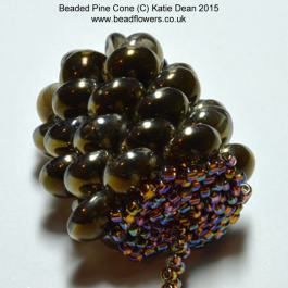 Beaded pine cone pattern, Katie Dean, Beadflowers