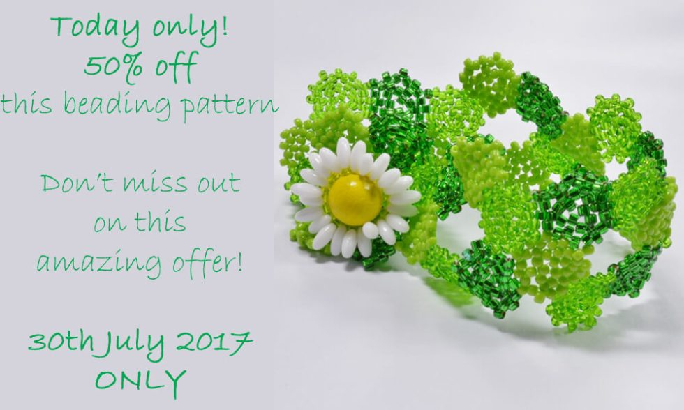 Daisy hexagon bracelet pattern by Katie Dean, Beadflowers