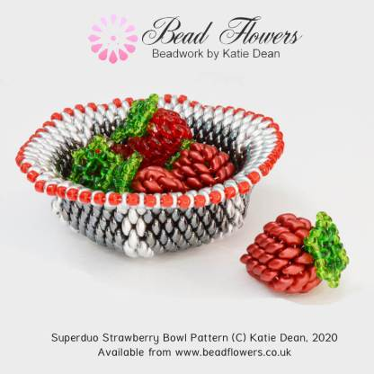 Beaded strawberry bowl, superduo beading pattern by Katie Dean, Beadflowers