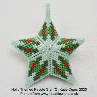 Holly peyote beaded star pattern, Katie Dean, Beadflowers