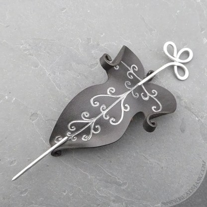 elvish leaf leather hair slide