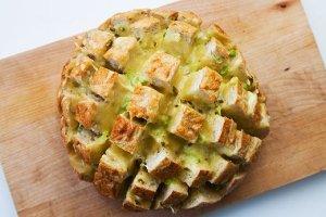 cheesy-jalapeno-pull-bread-a