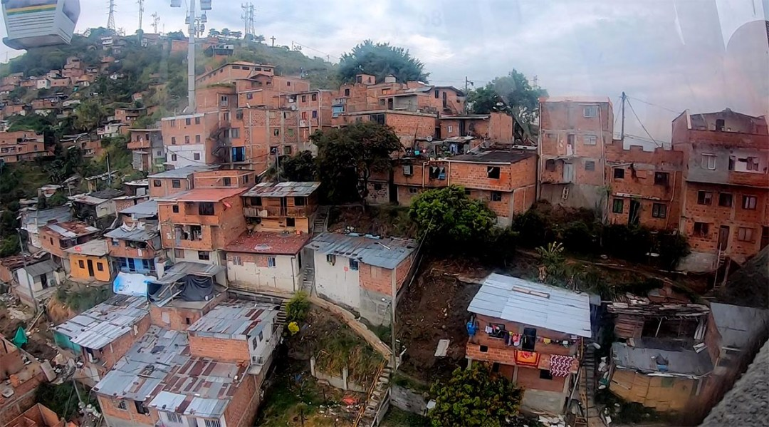 Comuna 13 - No Longer The Most Dangerous Place On Earth_4