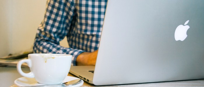 9 Tips for Landing Clients With Your Website [From Bloggers Who've Done It!]