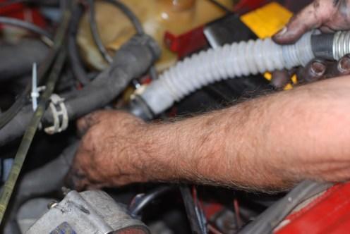 Ook de motor leegzuigen.
