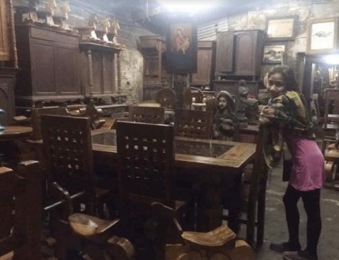 Antique shop in Vigan